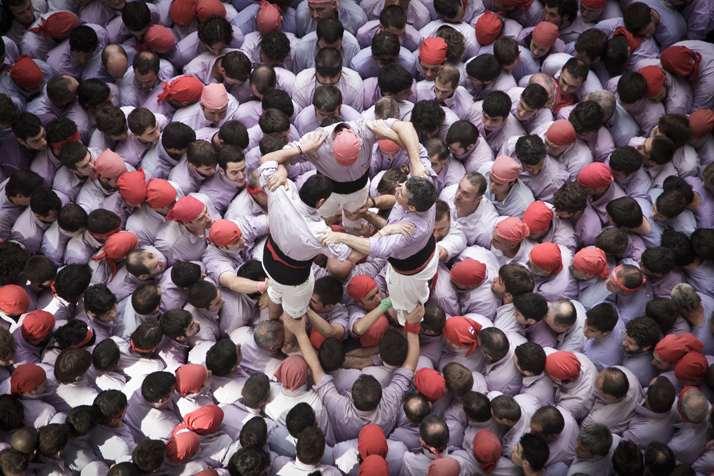 8-David-Oliete-XXIV-Human-Towers-Competition-Tarragona-Catalonia-yatzer
